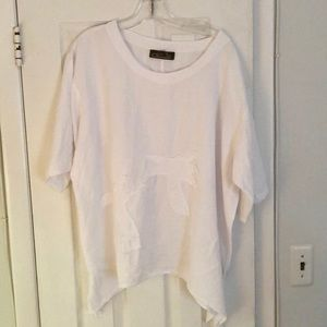 NWOT Giocam White Top